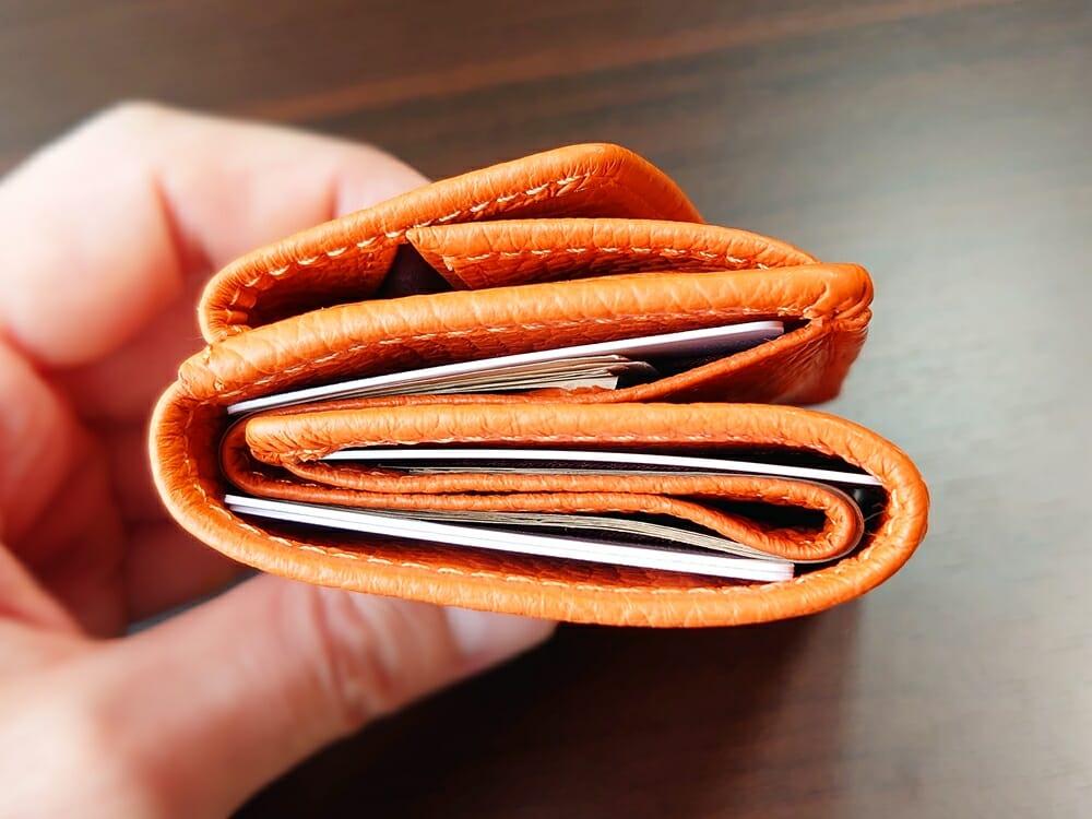 三つ折り財布 ST-909 イタリア製シュリンクレザー スキミング防止機能付 ミニ財布(オレンジ)MURA(ムラ)財布の中身がある状態の厚み1