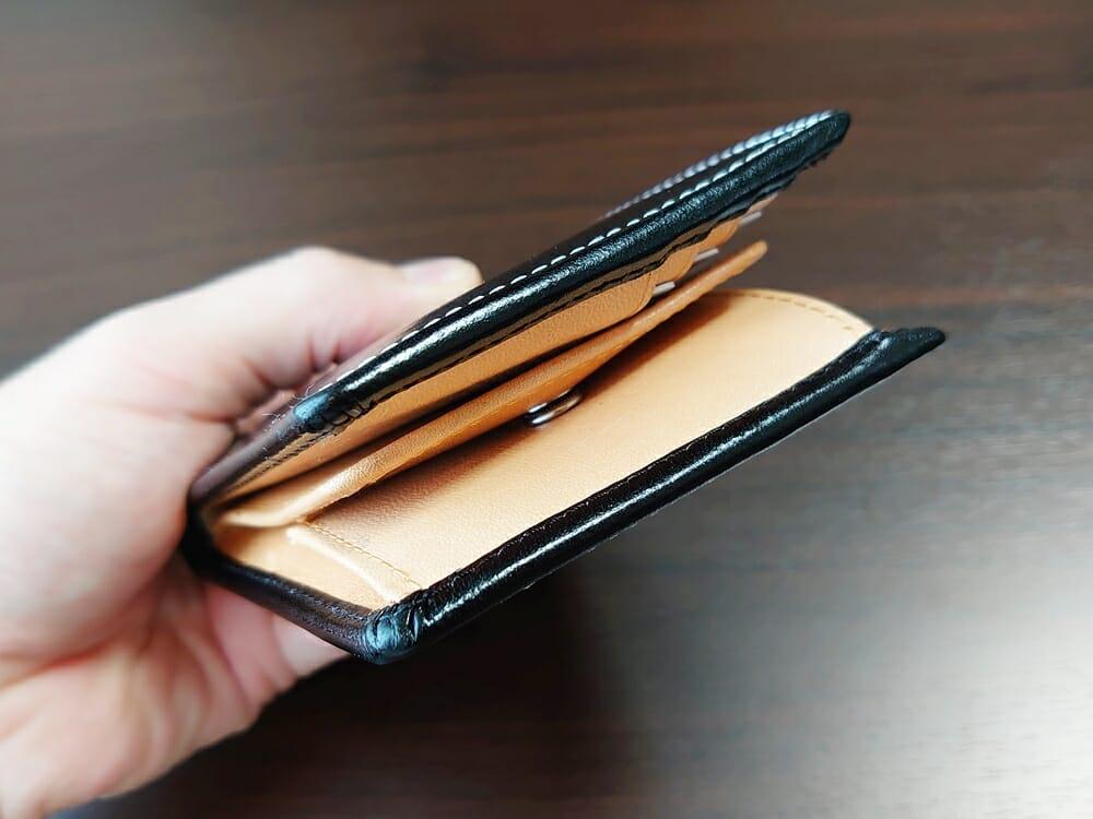 二つ折り財布 st-819 イタリアンレザー(フルグレイン)スキミング防止機能付 MURA(ムラ)中身を入れた財布の厚み 横
