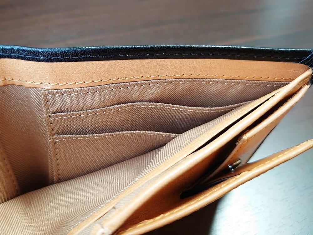 二つ折り財布 st-819 イタリアンレザー(フルグレイン)スキミング防止機能付 MURA(ムラ)札入れスペースのカード入れ 右側