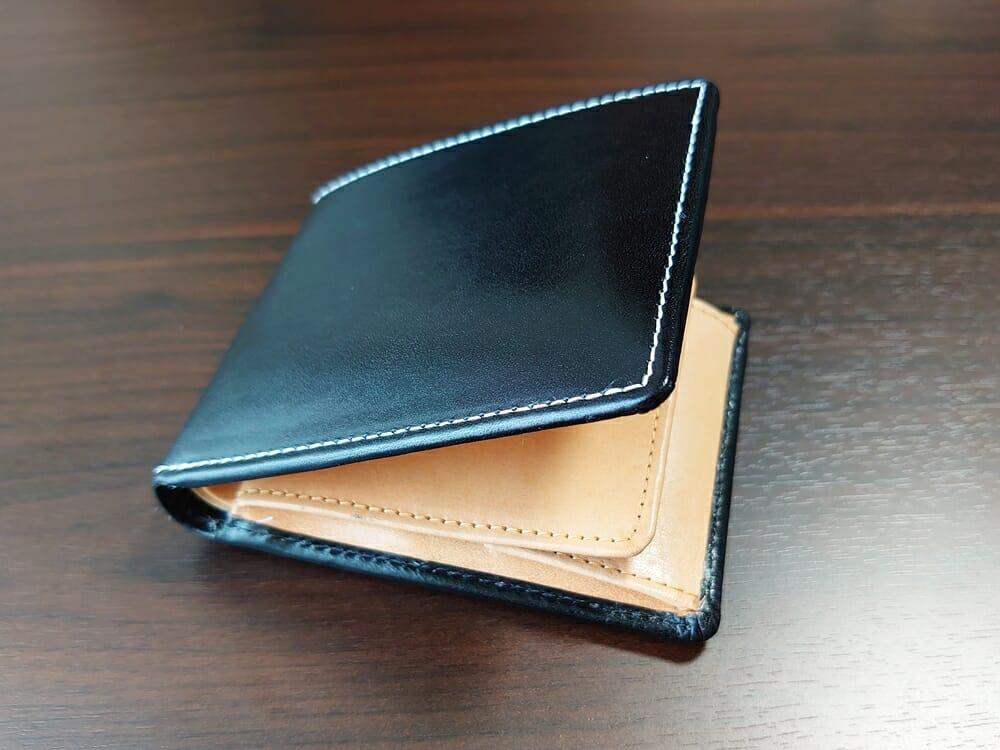 二つ折り財布 st-819 イタリアンレザー(フルグレイン)スキミング防止機能付 MURA(ムラ)中身を入れた財布の厚み