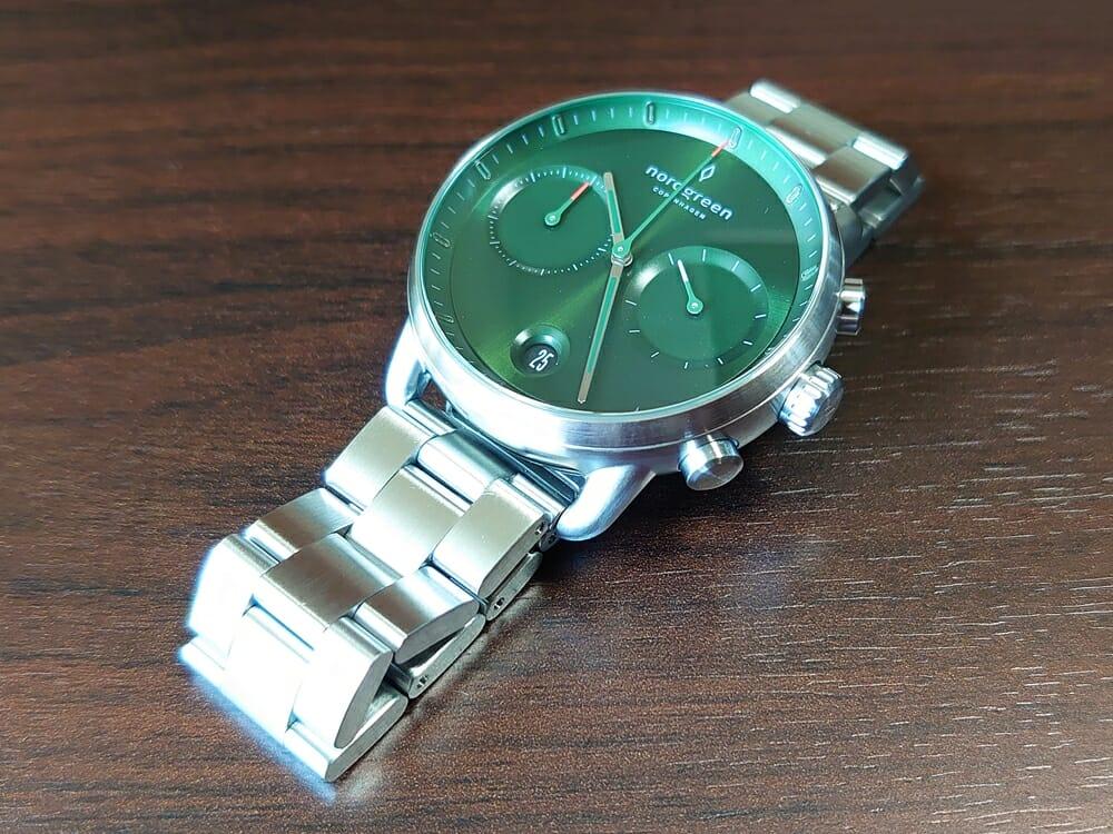 Nordgreen ノードグリーン Pioneer(パイオニア)サンレイグリーン シルバーケース 3リンクブレス ストラップの質感