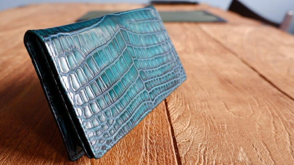 定番の通しマチ 長財布(小銭入れなし)手染め ヴィンテージグリーン クロコダイル専門店:革芸人 KAWAGEININ 東京