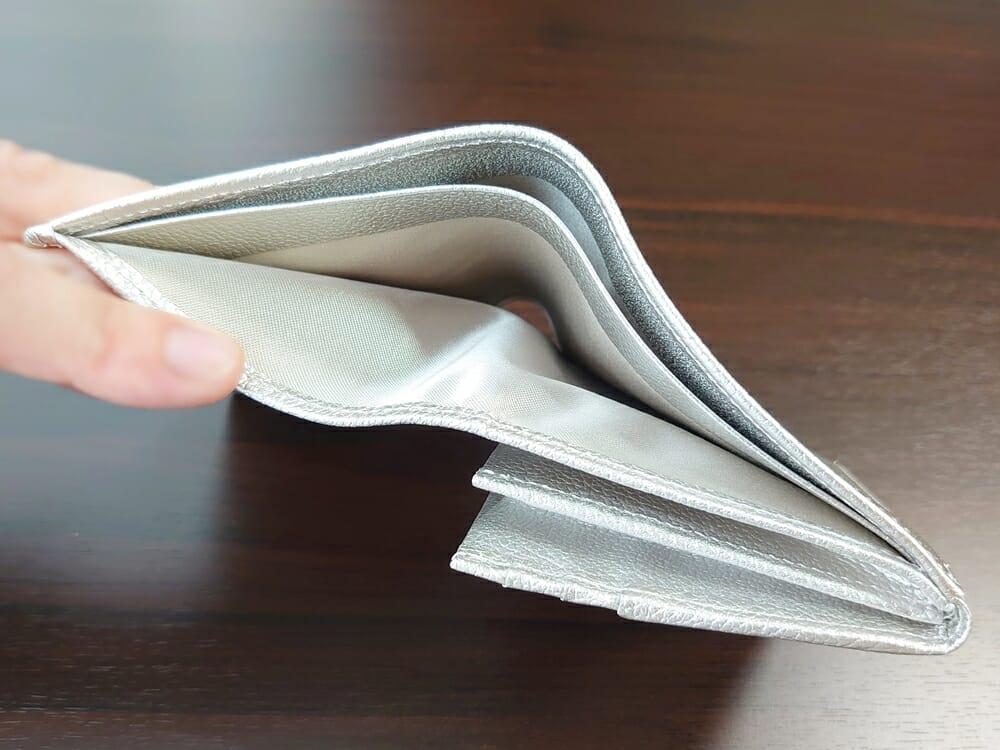 山藤 YAMATOU マルチパーパス サファイアシュリンク SS210500 シーシェルピンク レディース財布 札入れの仕様1