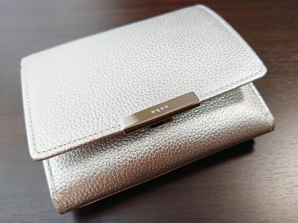 山藤 YAMATOU マルチパーパス サファイアシュリンク SS210500 シーシェルピンク レディース財布 開閉しやすい2段階のスナップボタン 2