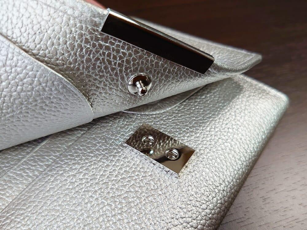 山藤 YAMATOU マルチパーパス サファイアシュリンク SS210500 シーシェルピンク レディース財布 内装デザイン スナップボタン3