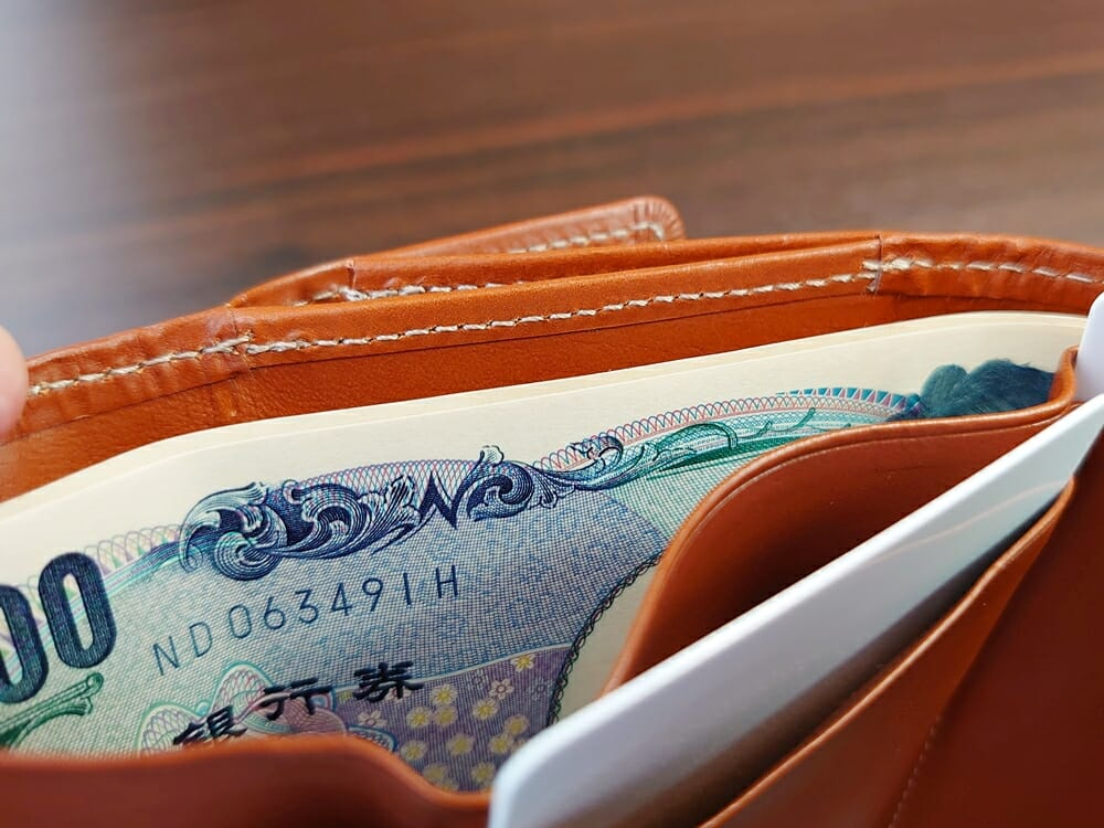 山藤 YAMATOU ミニミニウォレット Tito Alonso ティートアロンソ TA310300 ブラウン メンズ財布 札入れの深さ