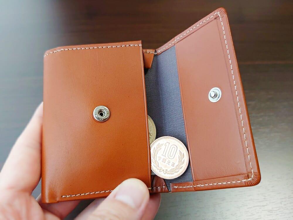 山藤 YAMATOU ミニミニウォレット Tito Alonso ティートアロンソ TA310300 ブラウン メンズ財布 財布を開ける向き 小銭がこぼれる