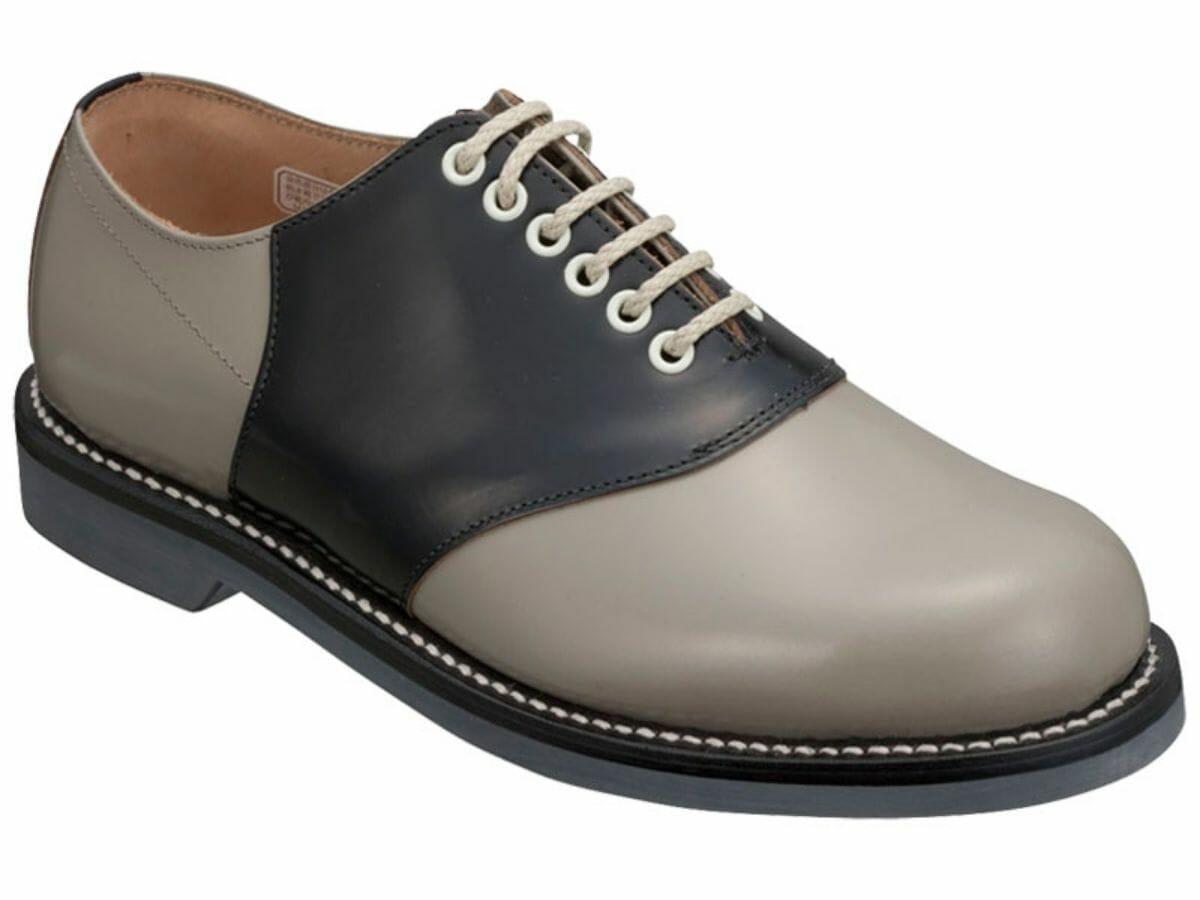 カジュアルコーデに合う革靴 サドル