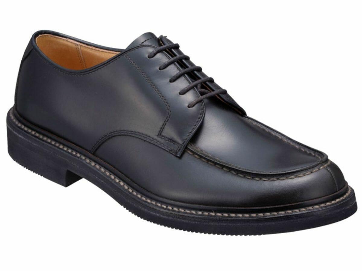 カジュアルコーデに合う革靴 Uチップ(外羽根)