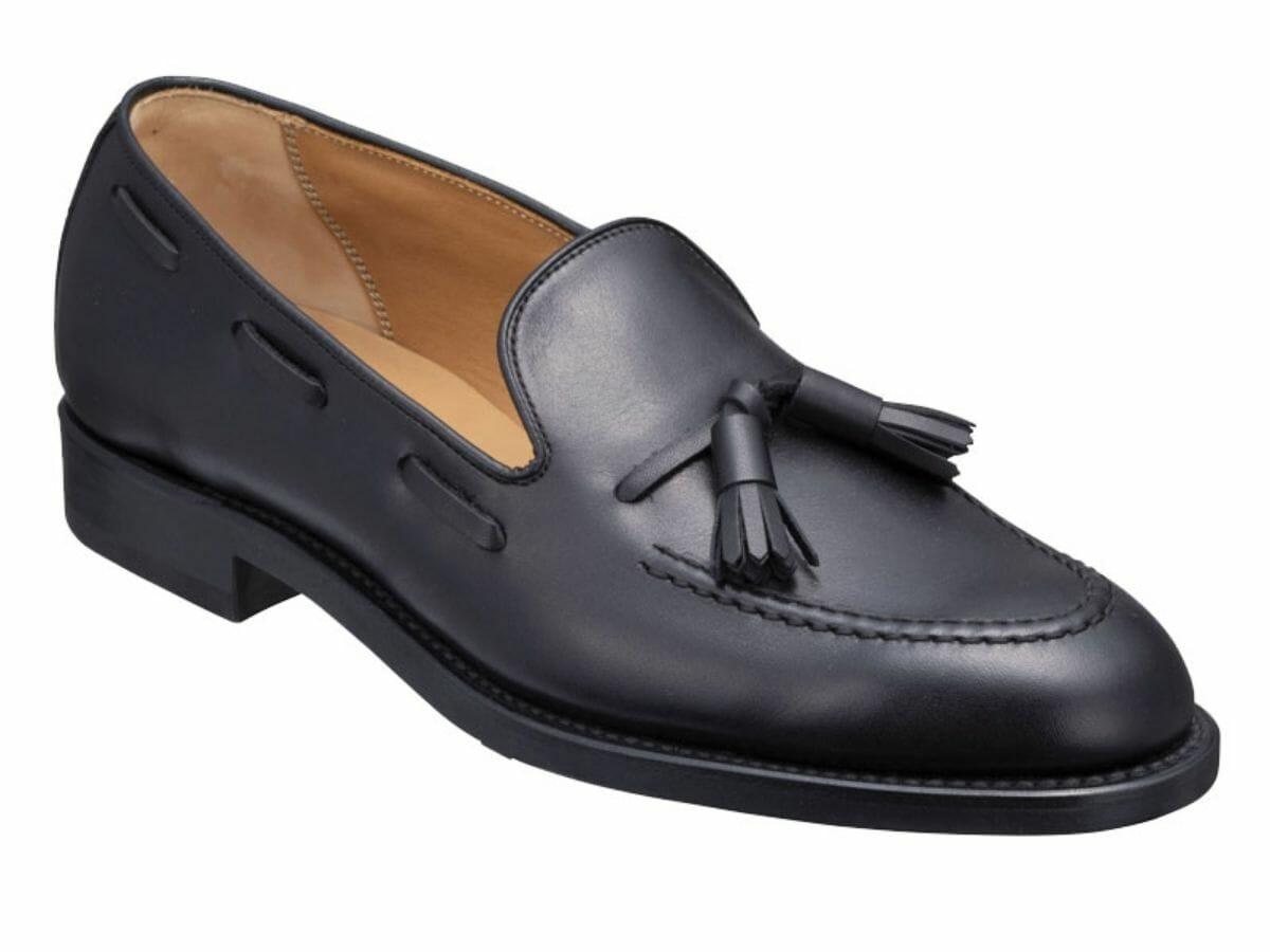カジュアルコーデに合う革靴 タッセルローファー
