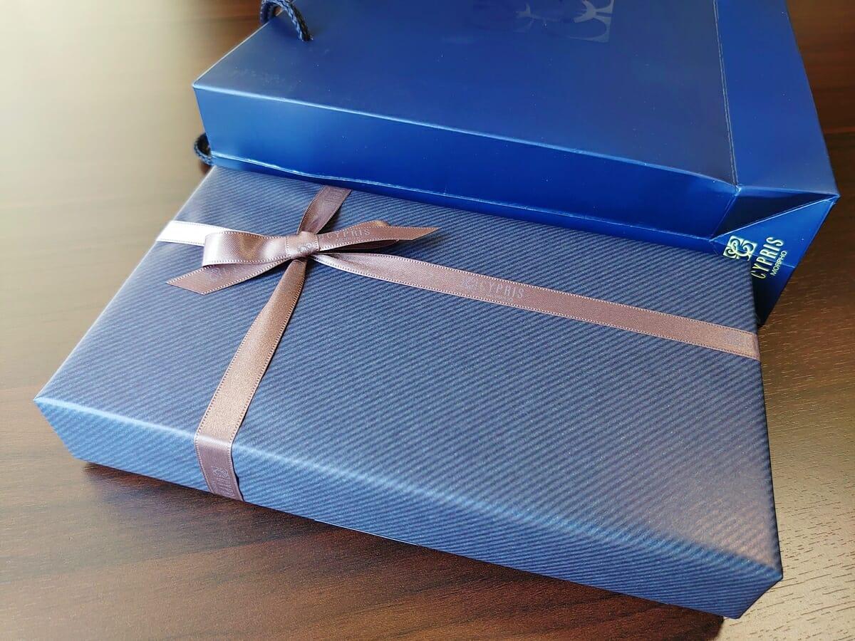 キプリス(CYPRIS)ラウンドファスナーハニーセル長財布(カスタムオーダー)ギフト包装 パッケージング ショップ袋 サイズ感1